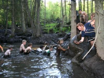 Dagtocht survivalen met de leerlingen in de Ardennen.